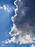 Sun dietro la nube Immagine Stock