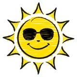 Sun disegnato a mano con gli occhiali da sole gialli e neri royalty illustrazione gratis