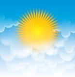 Sun e le nubi nel cielo Immagine Stock