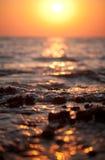 Sun e mar Imagens de Stock