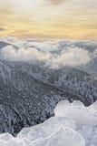 Sun e nuvole in cima di Kasprowy Wierch in Zakopane in Tatras dentro Fotografia Stock