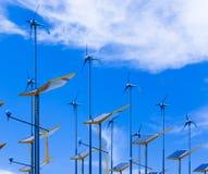 Sun ed energia di vento Fotografia Stock