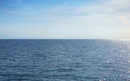 Sun ed oceano aperto immagini stock