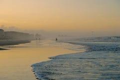 The Sun-Einstellung auf dem Strand Lizenzfreies Stockfoto
