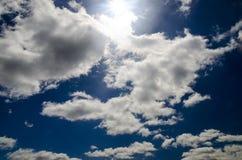 Sun en el cielo azul profundo Imagen de archivo
