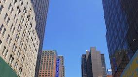 Sun enciende el verano New York City Manhattan broadway encima de la visión 4k los E.E.U.U. metrajes