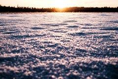 Sun está indo para baixo no lago Imagem de Stock
