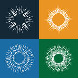 Sun estalla los iconos del vector fijados de la mano del vintage dibujada como resplandores solares Imagenes de archivo