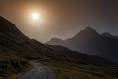 Sun et montagnes Photos stock