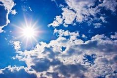 Sun et nuages Photos libres de droits