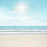Sun et plage d'île Images stock