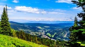 Sun fait une pointe Ski Resort en Colombie-Britannique, Canada Image libre de droits