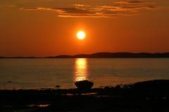 Sun fijó en Noruega norteña Foto de archivo libre de regalías