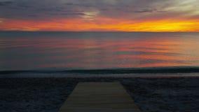 Sun fijó en una playa costada del este metrajes