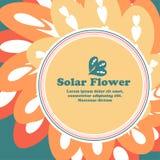 Sun in Form einer Blume auf einem Hintergrund mit Raum für Text Stockbild