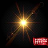 Sun-Glüheneffekt stellte auf einen dunklen Hintergrund transparent ein Sonnenaufgang, Sonnenuntergang, die Strahlen des grellen G Lizenzfreie Stockfotografie