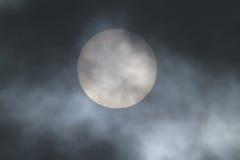 Sun grande y nube Fotos de archivo libres de regalías