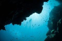 Sun, gruta subaquática e Snorkeler foto de stock royalty free