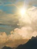 Sun-Himmelwolken Stockbilder