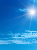 Sun-Himmelwolken Lizenzfreie Stockbilder