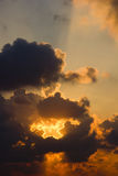 SUN I OKLARHETER arkivfoto