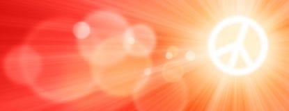 Sun ist als Frieden unterzeichnen herein den Himmel mit Sun-Strahlen und Blendenfleck bei Sonnenuntergang glänzend Stockbilder