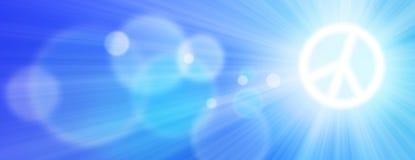 Sun ist als Frieden unterzeichnen herein den Himmel mit Sun-Strahlen und -Blendenfleck glänzend Lizenzfreie Stockfotografie