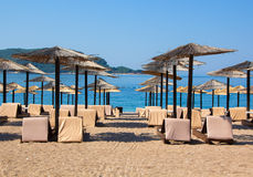 Sun loungers and umbrellas Royalty Free Stock Photography