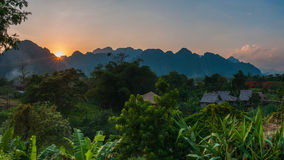 Sun messo in Vang Vieng Fotografia Stock