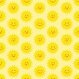 Sun-nahtloses Muster Lizenzfreie Stockfotos