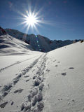 Sun nelle montagne Immagine Stock