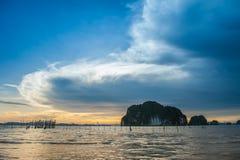 Sun, nuvole e cielo, mare fotografie stock