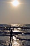 Sun, oceano, femmina Fotografia Stock Libera da Diritti