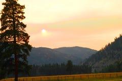 Sun par le brouillard, Montana Images libres de droits