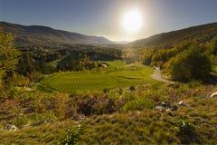 Sun plaçant au-dessus du terrain de golf de vallée de Humber photographie stock
