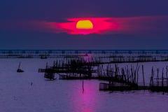 Sun, por do sol, mar, lago, songkhla, tailandês Fotografia de Stock