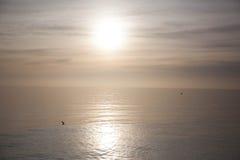 Sun puro sul mare immagini stock