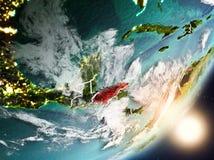Sun que aumenta acima das Honduras do espaço Imagens de Stock Royalty Free