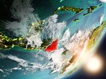 Sun que aumenta acima de Nicarágua do espaço Fotografia de Stock Royalty Free