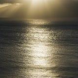 Sun que brilla en el Océano Pacífico. foto de archivo libre de regalías