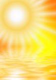 Sun reflektierte sich in einem Wasser Stockfotos