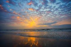 Sun rise. Beautiful sun rise and cloud royalty free stock photos
