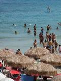Sun-Seesonnenschirm-San-FOCA setzen Italiener-Feiertag Melendugno Italien auf den Strand lizenzfreie stockbilder