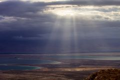The sun shines on the Dead Sea, Israel Royalty Free Stock Photos