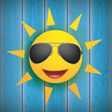 Sun Smiley Sunglasses Wooden Background Photos libres de droits