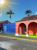 Sun sobre casas coloridas, Tlacotalpan, México Fotos de Stock