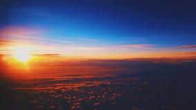 Sun sobre las nubes fotografía de archivo libre de regalías