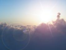 Sun sobre nuvens Fotos de Stock Royalty Free