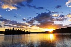 Lakesolnedgång Royaltyfri Bild