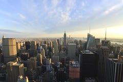 Solnedgång över Manhattan Arkivbilder